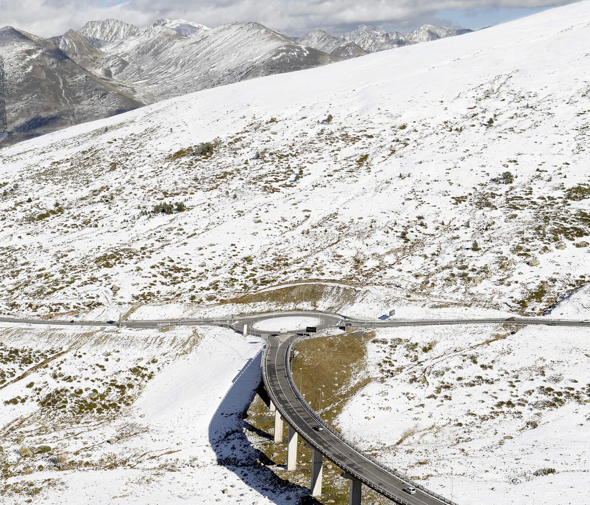 Important réseau routier d'Andorre pour répondre au flux des touristes.